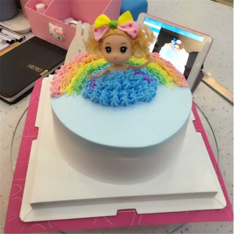 5pcs Scenic Cake Cute Doll Bubble Bath Dolls For girl Birthday