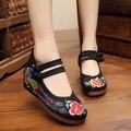 Las mujeres Zapatos de Moda de Estilo Chino 5 Cm de Tacón Alto Zapatos Casuales de Tela Étnica Mujer Zapatos Cuñas Bordado Rojo + Negro SMYXHX-A0020