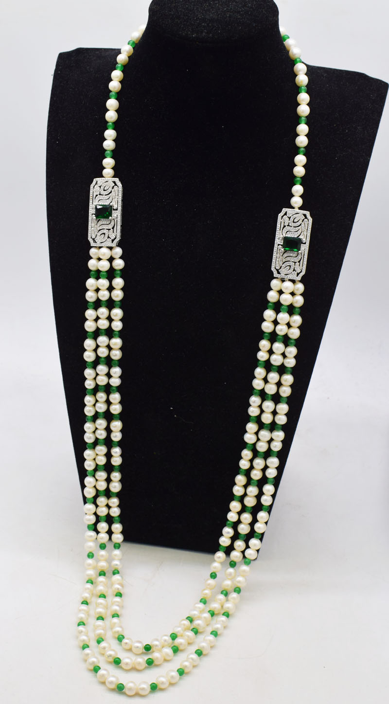 3rows freshwater pearls white  8-9mm white near round and green jade faceted  long neklace 85-90cm  FPPJ green zircon hook3rows freshwater pearls white  8-9mm white near round and green jade faceted  long neklace 85-90cm  FPPJ green zircon hook
