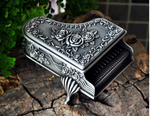 Novel rare piano-shaped Gothic Grace rhythm classical retro European princess metal jewelry keepsake souvenir box case Z006