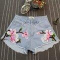 Delgado del verano Mujeres de La Manera Azul Flor Del Bordado Denim Shorts de Talle Alto, Ocasional Rasgado Agujero Cortocircuitos Calientes