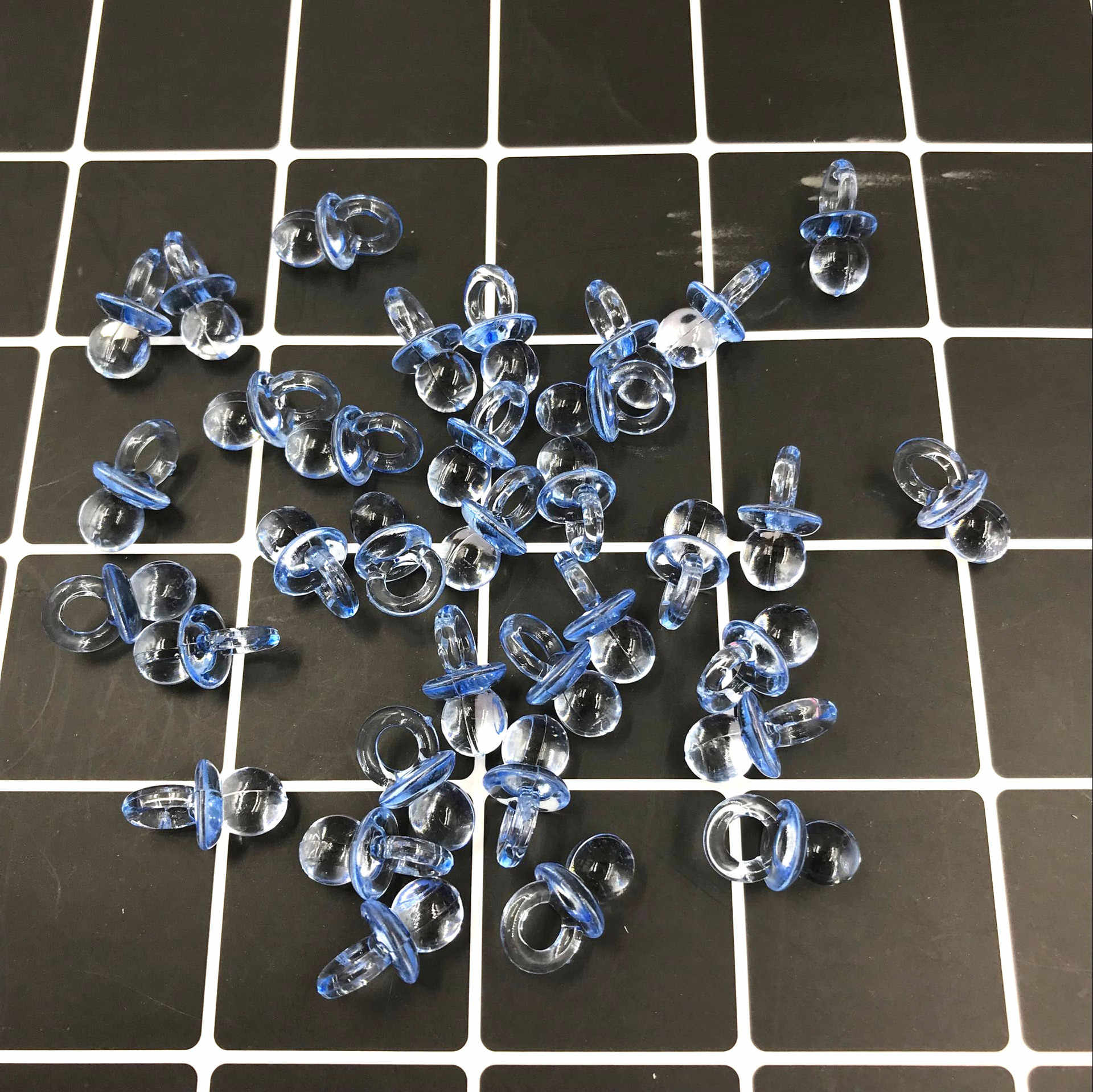 50 pçs/set Chupetas Transparente Diamond Cut Bead Favores Do Chuveiro de Bebê Rosa Azul Para O Partido Decorações de Mesa de Jogo