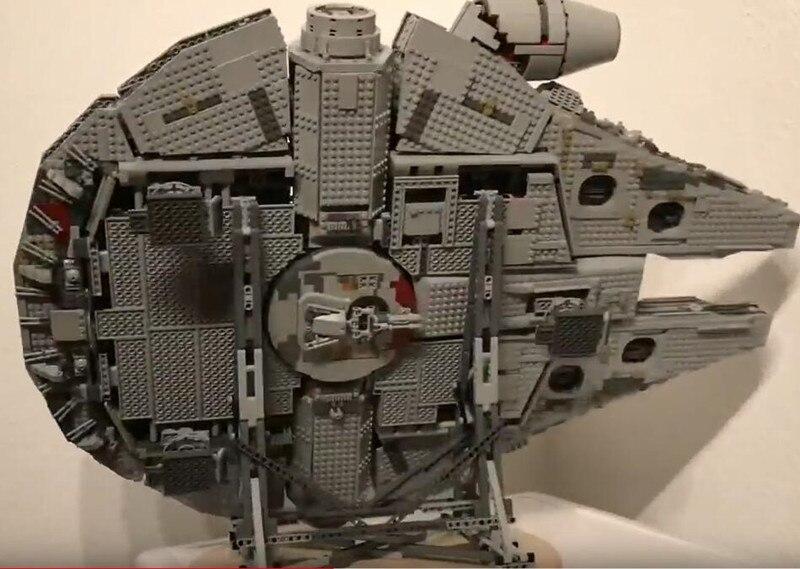 presentoir-vertical-pour-le-faucon-du-millenaire-star-wars-compatible-avec-le-modele-05132-05007-ultime-de-collection-75192