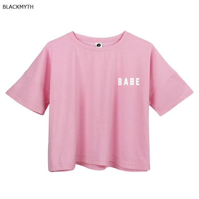 cb0b271bde7 BLACKMYTH BABE estampado blanco Crop Tops verano manga corta Camisetas  Harajuku Fitness Mujer moda camiseta Rosa