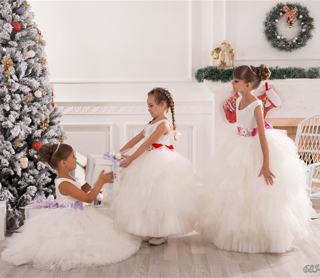 2019 Princess White Ivory Flower Girls Dresses with Sash O Neck Lace Organza Girls First Communion Dress Christmas Gown Any Size h12094 princess hemline bridal gown white size xl