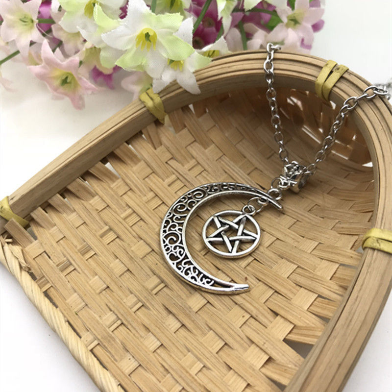 Zinc Alloy Ancient Silver Pentagram Moon Charm Pendant Necklace Pagan Wiccan Fashion Women&Men Jewelry Valentine's Day Present