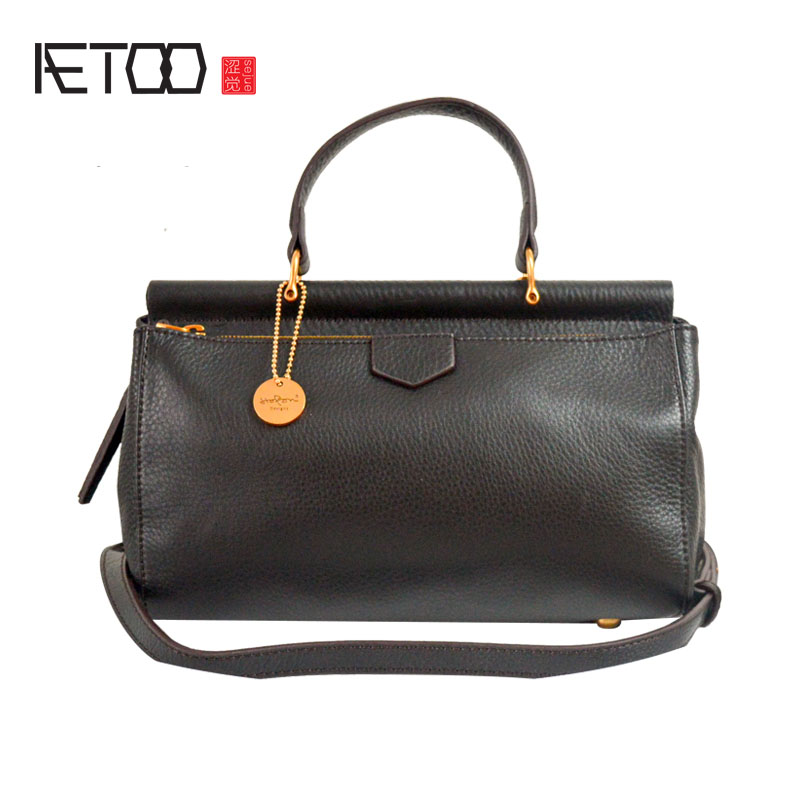 AETOO 2017 autumn and winter new original first layer of leather handbag retro soft cowhide shoulder Messenger bag leather handb qiaobao 2018 new korean version of the first layer of women s leather packet messenger bag female shoulder diagonal cross bag