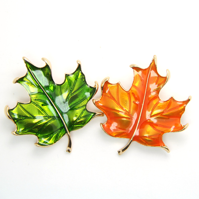 49a325093 Vintage Maple Leaf Enamel Brooch For Men Women Leaves Brooches Lapel Pin  Man Broche Fashion Jewelry Shirt Collar Pins CY141