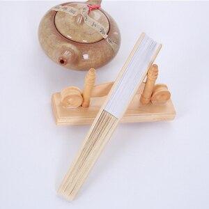 Image 3 - Abanico plegable de bambú para bodas, abanicos chinos plegables, 50 Uds., Color blanco