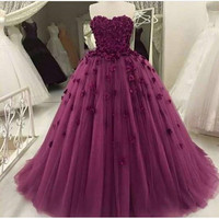 Elegant Purple Strapless Sleeveless Ball Gown Tulle Prom Dresses With Handmade Flowers Women Formal Party Gowns