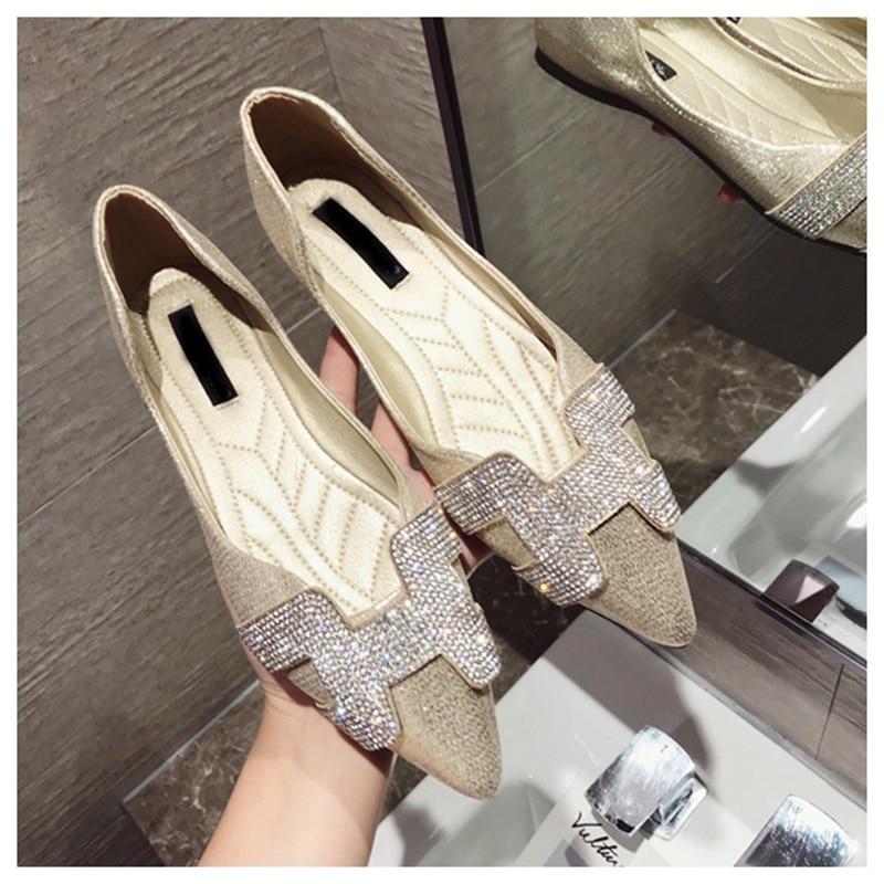 15  SUOJIALUN Vogue Girls Flat Ballet Footwear Bling Crystal Pointed Toe Flats Footwear Elegant Snug Woman Shiny Footwear HTB1bdBXrOOYBuNjSsD4q6zSkFXar