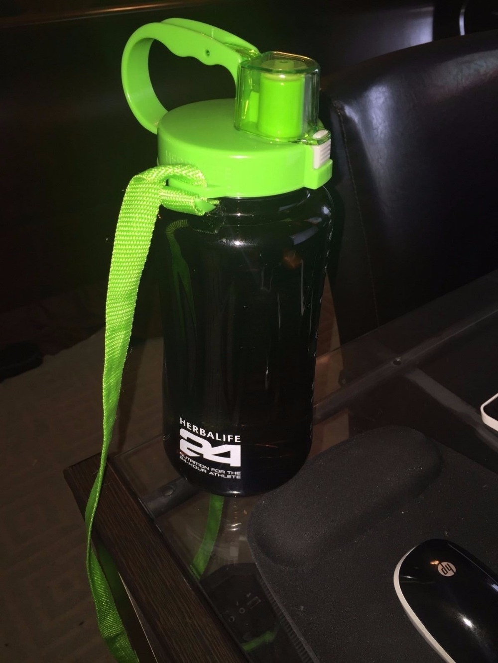 New Herbalife Nutrition 2pcs Shake Water Bottle 2L Black Green With Straw Inside Tritan Plastic Material