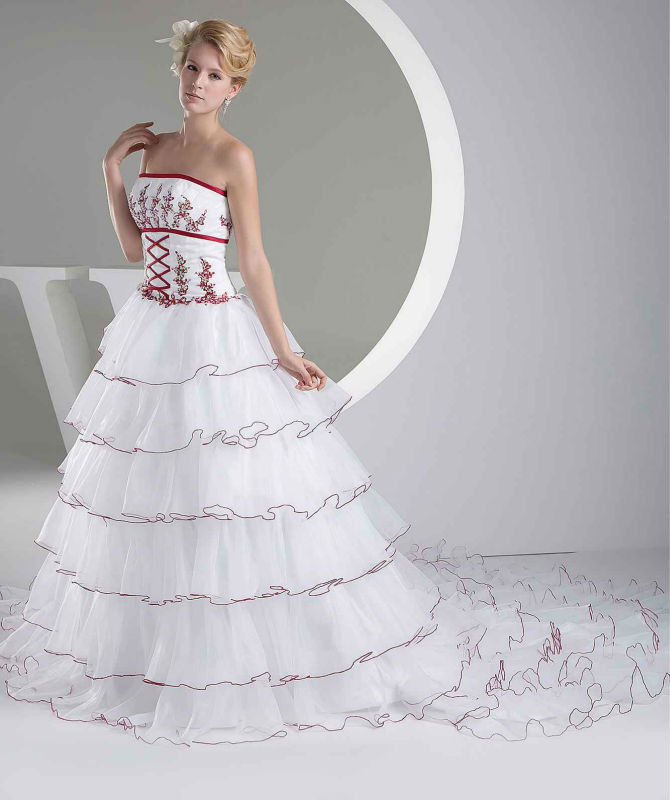 Red And White Lace Wedding Dress: Wine Red And White Wedding Dresses Strapless Bridal Ball
