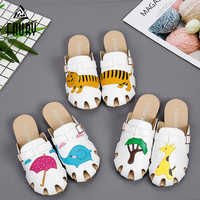 Medical Shoes Slippers Hospital Doctor Nurse Dentist Clog Surgical Work Shoes Operating Room Beauty Salon Cute Animal Pattern