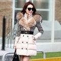 Escudo y chaquetas 2015 chaqueta de invierno mujeres parka cuello de piel de pata de Gallo de costura de prendas de vestir exteriores medio-largo abrigo de invierno las mujeres H102601
