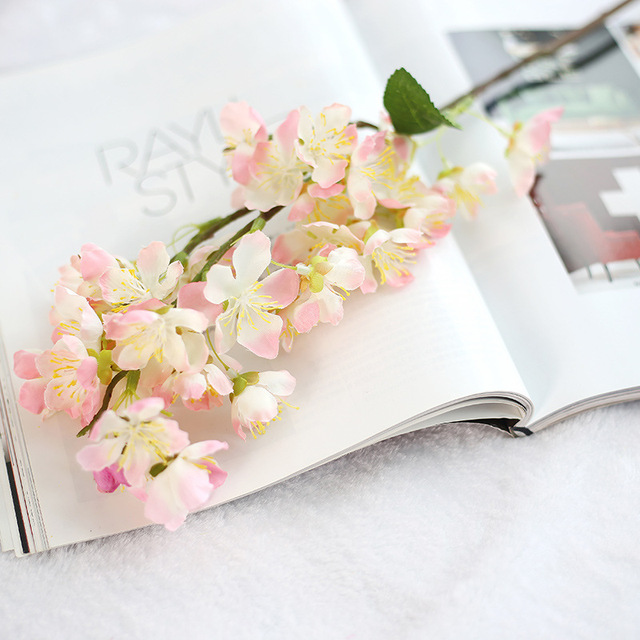 Bunga Sakura bunga buatan plastik tanaman palsu Memegang Buket dekorasi  rumah pernikahan DIY dekorasi Sutra Kecil b53d8ebb39