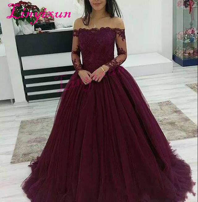 2018 Burgundy Prom Dresses Wear Boat Neck Off Shoulder Lace Applique Beads Long Sleeves Tulle Puffy Ball Gown Evening Dress