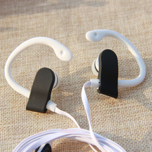 MOONBIFFY Wholesale 3.5mm sport Earphones Headphone Headset with mic For iPhone Samsung Xiaomi MP3 High quality Bass for running