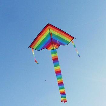 Kolorowe Rainbow Kite długi tren Nylon odkryty latawce latające zabawki dla dzieci dzieci Kite Surf z 30m linka do latawca wysokiej jakości tanie i dobre opinie Dongzhur Z tworzywa sztucznego 8-11 lat 12-15 lat Dorośli Uchwyt i linii latawca Unisex cartoon Pojedyncze