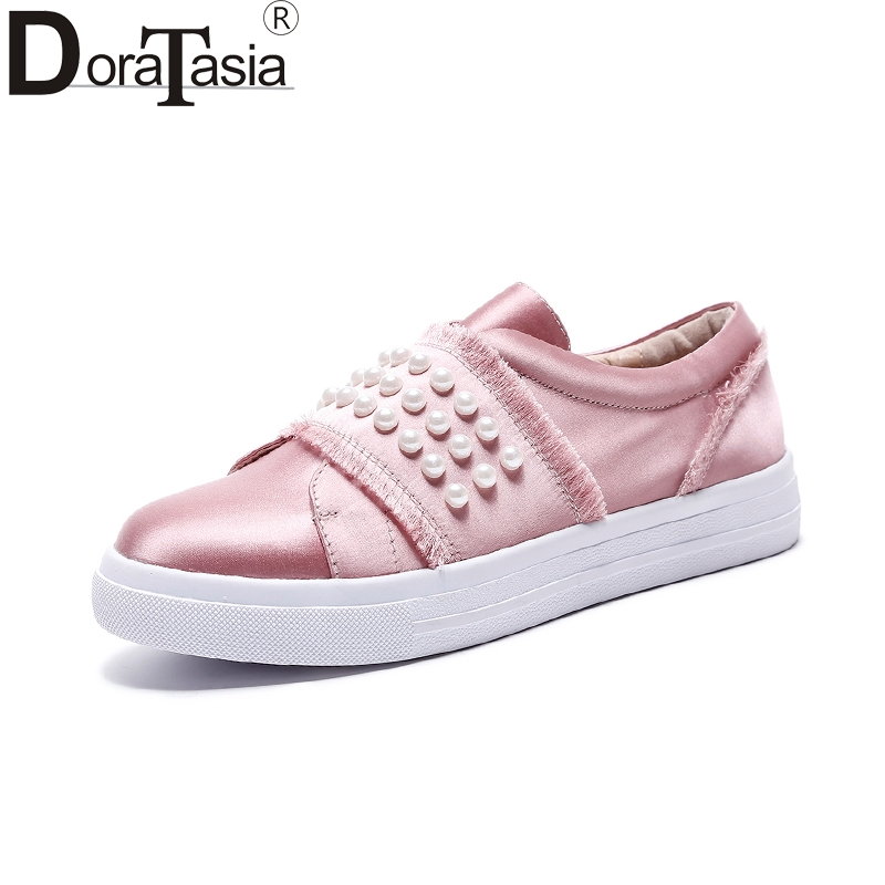 DoraTasia   hot sale size 33-40 silk pearl Flats Shoes Woman black pink sweet Casual loafers Women Shoes footwear fashion women shoes woman flats high quality comfortable pointed toe rubber women sweet flats hot sale shoes size 35 40
