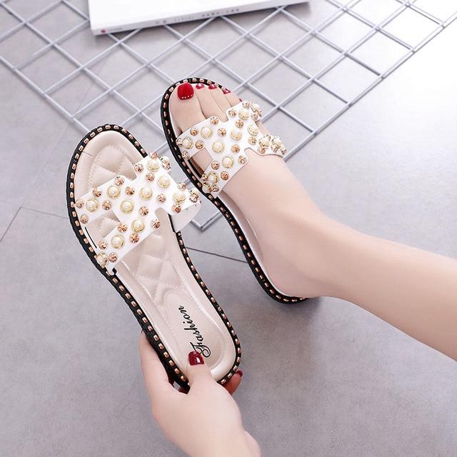 9b2fcf1be9c0 Bailehou Women Slippers Home Female Flat Ladies Woman Shoes Beach Flip  Flops Pearl Slippers Fashion Rivet