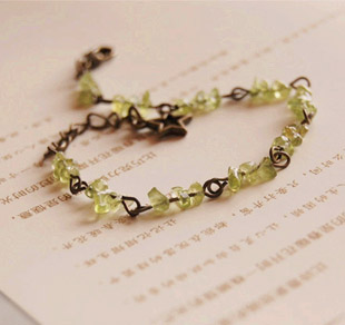 62ef257d4528 Verde natural piedra olivino pulseras estrella enlace joyería hecha a mano  de DIY regalos para los mejores amigos regalo del Día de San Valentín sl022