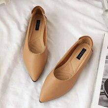 купить 2019 Spring Leather Flats Shoes Women Point Toe Low Heels Moccasins Female Shoe Loafers Women Shoes Slip On Mules mocassin femme по цене 838.81 рублей