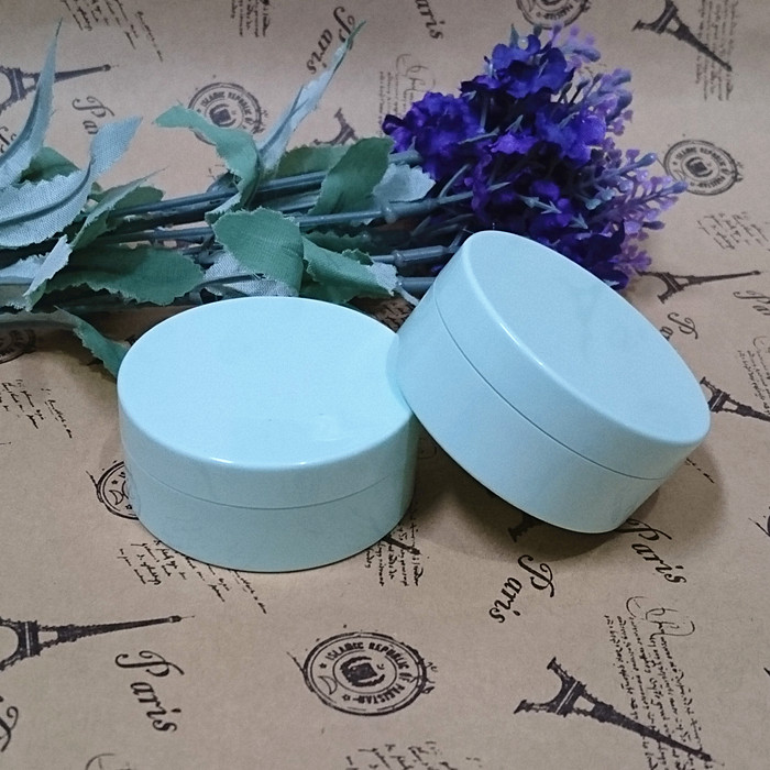 10g Powder Puff jar with sifter,Light Blue Loose Powder Compact PS Powder Puff Bottle Packing Container Cosmetic tool bob cosmetic makeup powder w puff mirror ivory white 02
