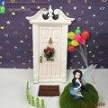 1:12 Escala Miniaturas Glitter Blanco Hada de los Dientes De Madera Puerta Abierta Hacia el Exterior Para Regalo de Los Niños