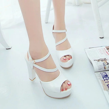 women sandals 2019 summer new sexy low back fish mouth open toe one-word buckle with thick with high heel cool women's shoes цена 2017