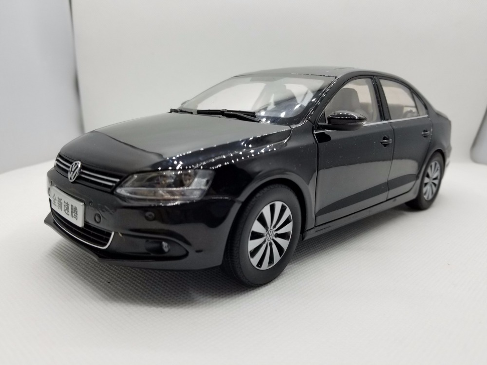 1:18 Diecast Model For Volkswagen VW Sagitar 2012 Euro Jetta MK6 Black Alloy Toy Car Miniature Collection Gifts
