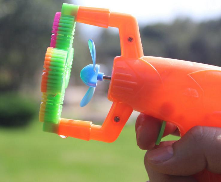 129cm-Electric-Soap-Bubble-Gun-No-liquild-5-battery-power-Automatic-Bubble-Water-blowing-machine-kids-holiday-water-gun-d22-4