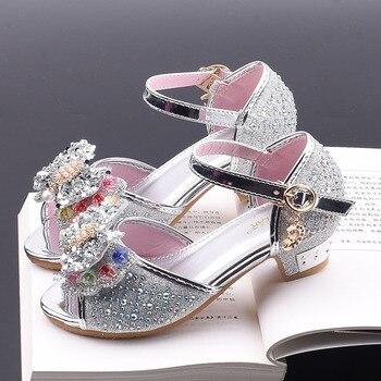 separation shoes 50c8a d34fa Neue Mädchen Prinzessin Schuhe Kinder High Heels Perle Bogen Leder Sandalen  Glitter Dance Kleid Hochzeiten Party Kinder Mode Pailletten