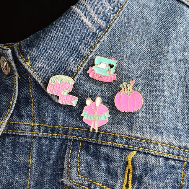 4pcs/set Pink Sewing machine Tape measure Scissors Crafty Brooch Set Pins Jacket
