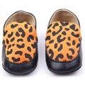 Piel de leopardo niño Girl infantil zapatos Faux cuero resbalón en los zapatos del pesebre Prewalker