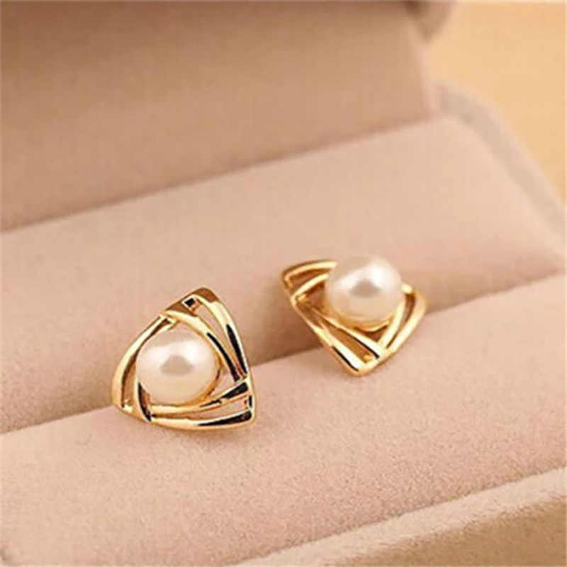 Gold White Simulated Pearl Stud Earrings Women Charming Triangle Earring Pendientes Fashion Ear Jewelry Accessories