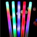 15 unids/lote palos largos brillantes juguetes de fiesta, barra de esponja de luz Led suministros de juguete, palo Led intermitente varillas de espuma accesorios de concierto