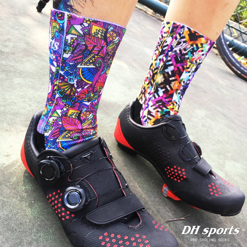 DH SPORTS Professional Brand Cycling Socks Protect Feet Colored Printing Sport Socks High Quality Bicycle Bike Running Sock