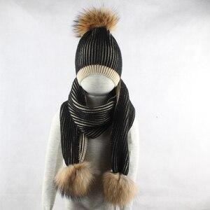 Image 4 - Gorro de invierno 2019 para niño y niña, gorro con pompón y bufanda grande de piel Real para niños, gorro tejido cálido para invierno