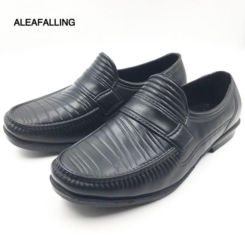 Aleafalling All-season Kitchen Fretwork Rain Shoes Fashion Men PVC Waterproof Solid Rainboots Cooker's Mature Men Shoes M061