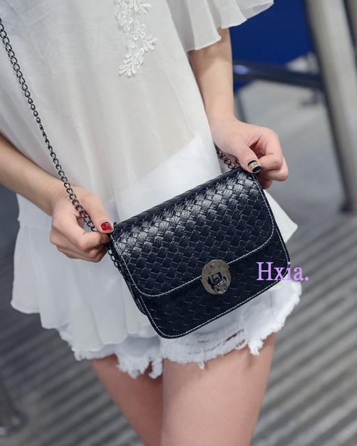 Lady's shoulder bag