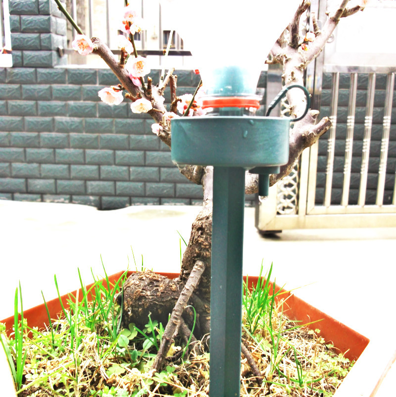 New drip Watering Device Automatic Drip irrigation Plant Flower Drip Sprinkler  waterer garden tool