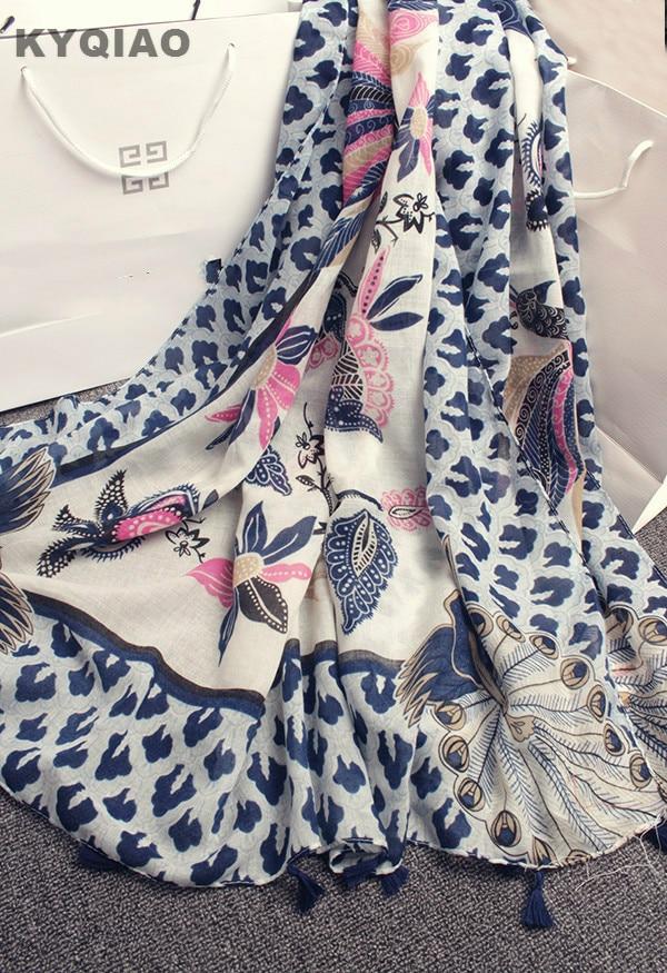 KYQIAO Hijab écharpe 2018 femmes Espagne style ethnique DESIGNER long paon motif  écharpe filles automne hiver hippie echarpes muffler 7120f9786ab