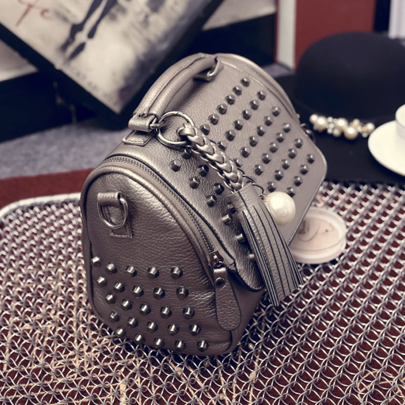 Luxury Handbags Women Bags Designer Handbags High Quality PU Leather Bag Famous Brand Retro Shoulder Bag Rivet Sac a main
