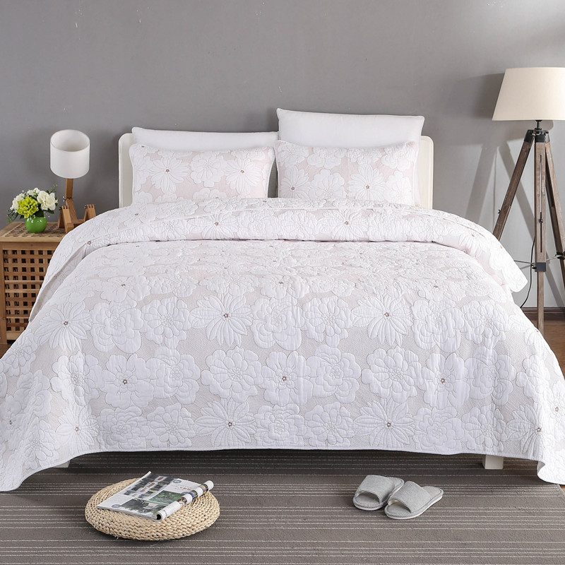 Free shipping 100%cotton 3pcs elegant European embroidered quilted bed cover patchwork quilt bedspread full queen king sizeFree shipping 100%cotton 3pcs elegant European embroidered quilted bed cover patchwork quilt bedspread full queen king size