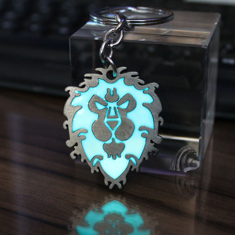 Fashion Women Men Jewelry World Of Warcraft WOW Keychain Alliance Horde Key Chain Keyring GLOW In The DARK Pendants Boys Gift