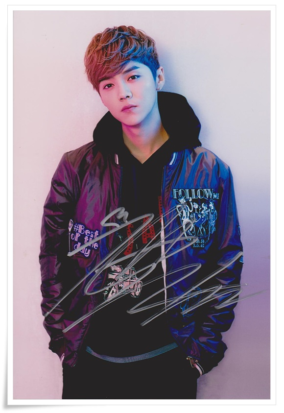 LU HAN LUHAN autographed signed photo collection new chinese  freeshipping 01.2017 signed lu han luhan autographed photo 6 inches freeshipping 4 versions 082017 b