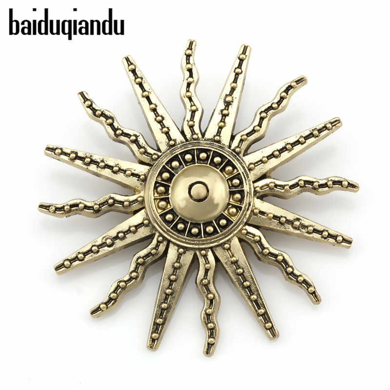 Factory Direct Sale Vintage Style Sun Brooch Pins for Men or Women in Antique Brass Color Plated