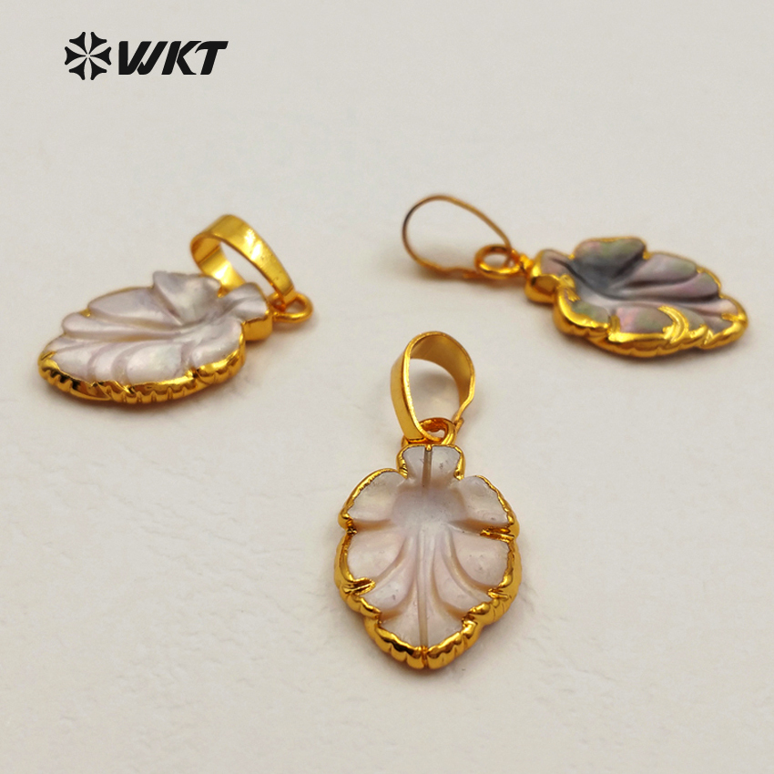 WT-P1252 Wholesale NEW Clam shell Pendant With Gold plating Freshwater Pearls shellfish Pendant MOP,oyster,Fresh mussel gold 24K