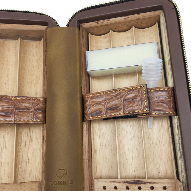 The crocodile Brown color grain leather Cigar humidor